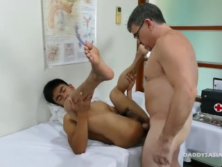 Daddy Fuck Asian Boy